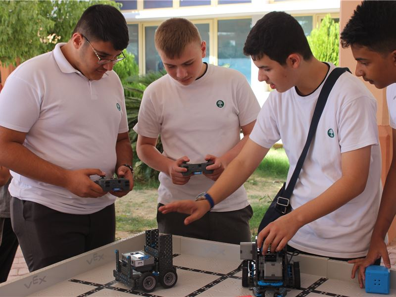 Robotics Course Received with Enthusiasm